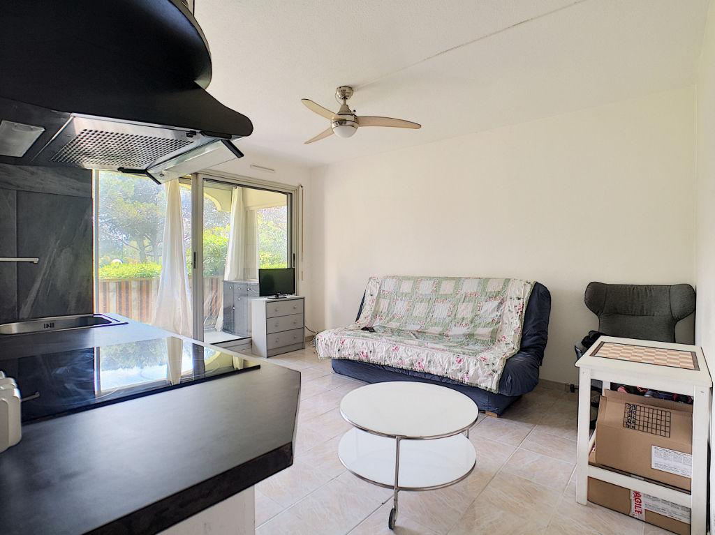 Appartement Mandelieu Centre Avec Loggia