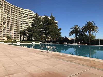 Appartement Mandelieu La Napoule Studio dans residence securisee avec piscine