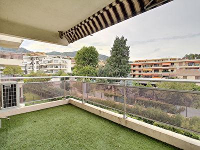 Appartement Mandelieu La Napoule 3 pieces 77 m2