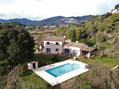 Mandelieu, Villa de prestige 200m2 sur terrain 5000m2 avec piscine au calme absolu