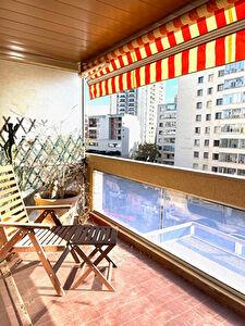 Appartement Marseille 8eme 3 pieces 79 m2 carre d'or Terrasse