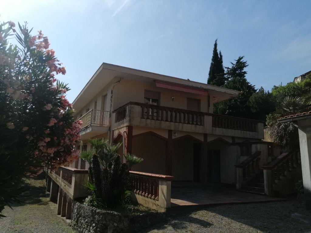 Maison 12 pièce(s) 240 m2 Latte (Italie)