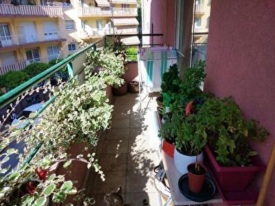 Menton bel appartement de 3 pieces avec terrasse et garage ferme