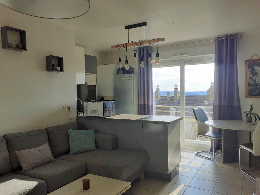 Appartement T2 CHALAMONT 40 m² avec balcon et garage