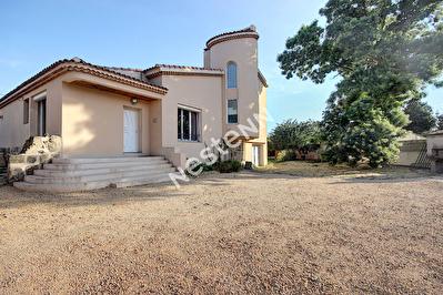 Maison Saint Chamas 6 pieces 220 m2