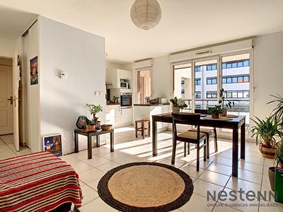 Appartement de 2 pieces, 1 chambre de 46,64m2 avec grande terrasse + garage sur Lyon 9 eme proche gorge de Loup et du centre ville de Lyon