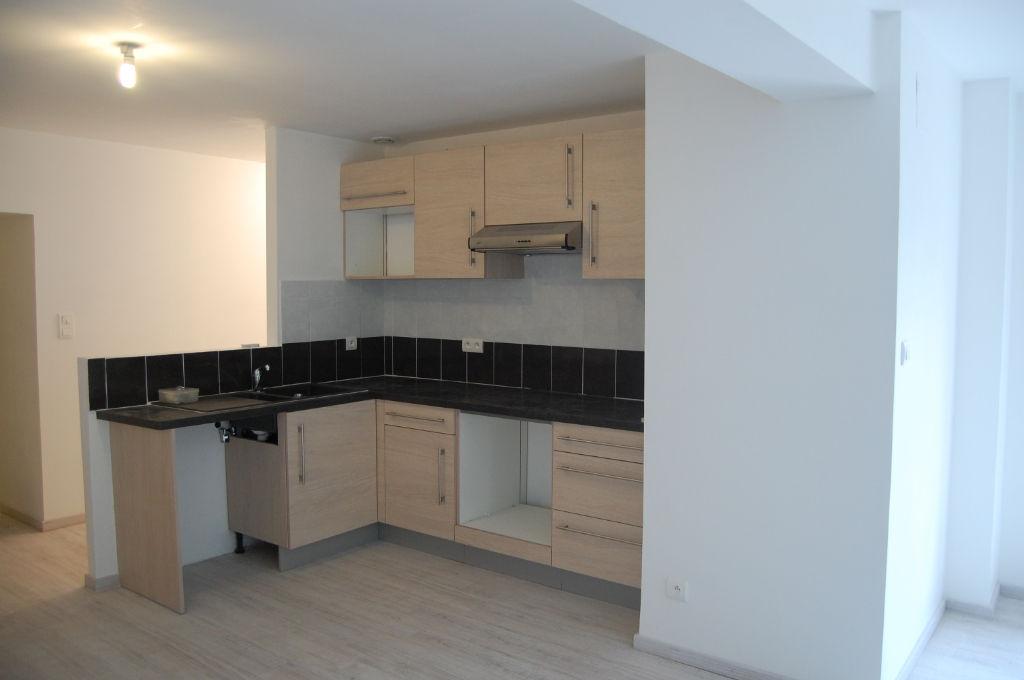 photos n°1 Lot de 2 Appartements Charmes 6 pièce(s) 161 m2 terrain 196m²