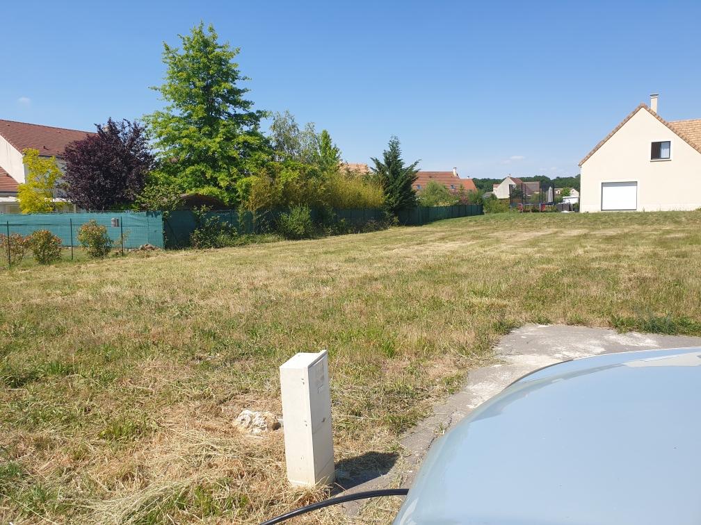 Terrain viabilisé Ponthévard 710 m²
