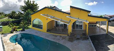 Superbe villa type F6  a Saint-Andre  Secteur Champ Borne