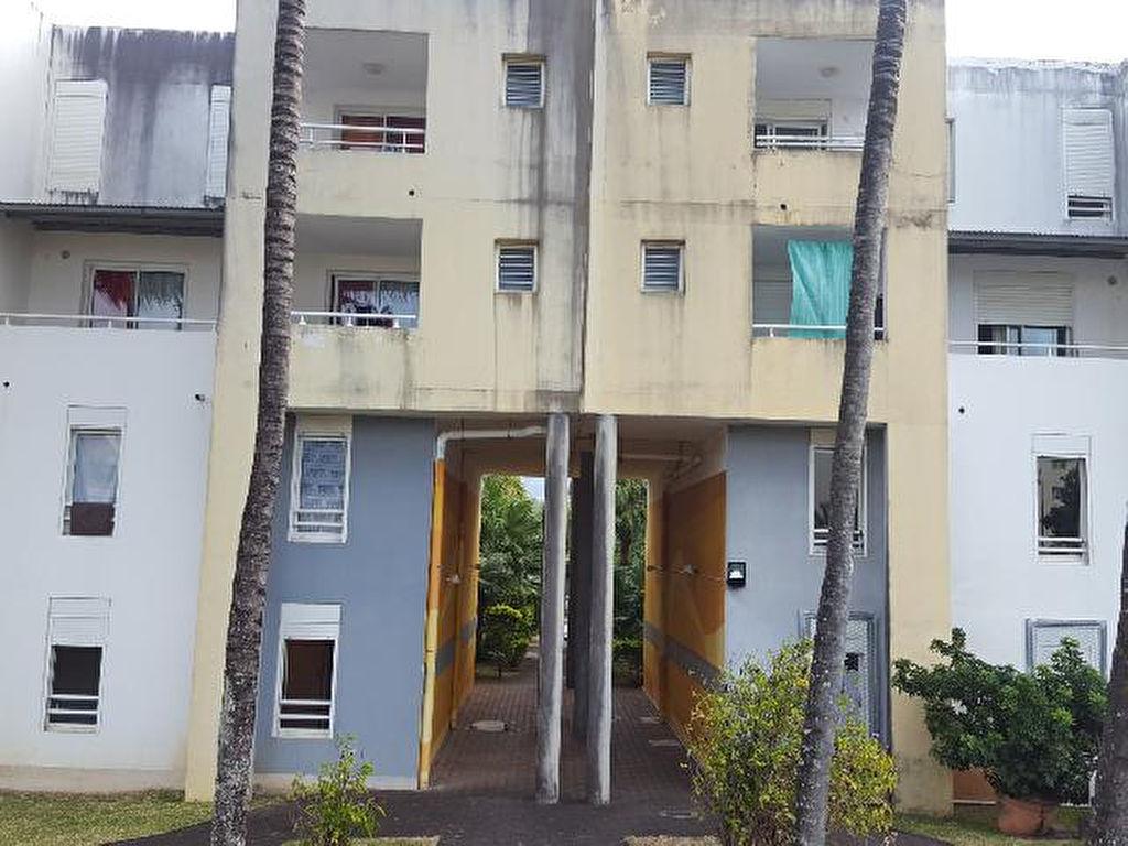 A saisir! pour investisseur Vend appartement type 3  Sainte-Marie
