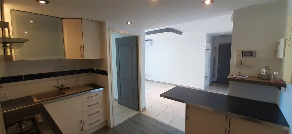 Nestenn vend un appartement T3 St-Denis