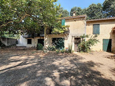 SALON DE PROVENCE - Maison 8 pieces de 208 m2 a la campagne - 3000 m2 de terrain