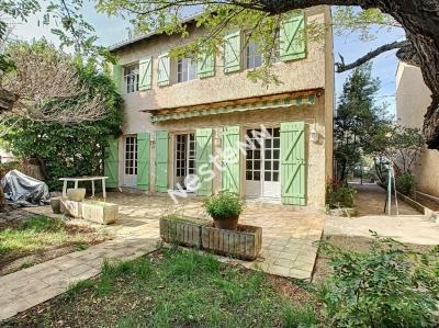 SALON DE PROVENCE - Maison de 5 pieces - Quartier residentiel et calme -