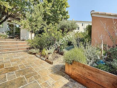 SALON DE PROVENCE - Maison 5 pieces - 100 m2 - Jardin arbore en Centre ville