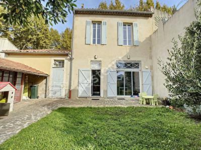 SALON DE PROVENCE - Maison 5 pieces 130 m2 - Beaux volumes, jardin + piscine