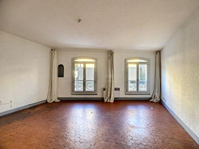 SALON DE PROVENCE - Appartement 2 pieces 50 m2 - Centre-ville - Proche tous commerces -
