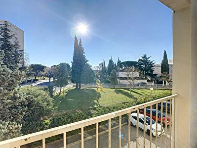 SALON DE PROVENCE - Appartement 3 pieces 56 m2 - Residence securisee -