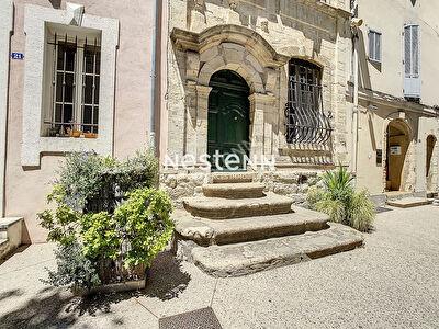 PELISSANNE - Maison de village classee - 4 pieces - 145 m2 - Vendue meublee