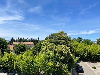 SALON DE PROVENCE - Appartement  4 pieces 76 m2 - Climatisation - parking -