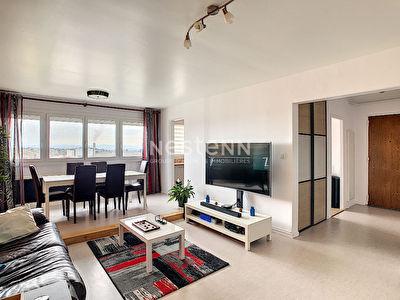 Rillieux La Pape appartement 3 pieces 87 m2 au sol entierement renove au 9eme etage avec vue degagee