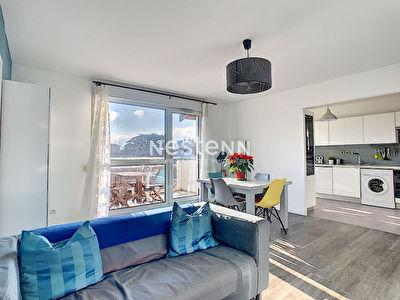 Appartement Sathonay Camp 4 pieces 3 chambres de 84 .06 m2 avec balcon