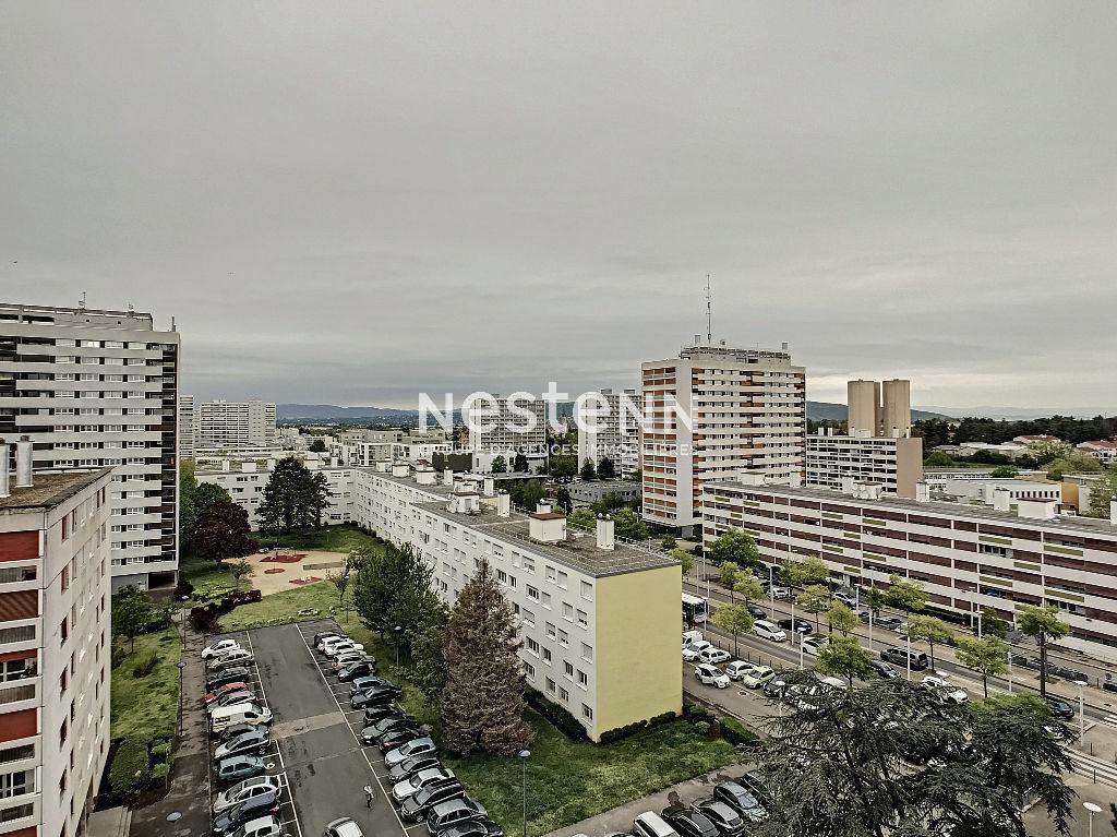 Rillieux La Pape appartement 5 pièces 4 chambres 151 m² au sol au 9ème étage avec vue dégagée