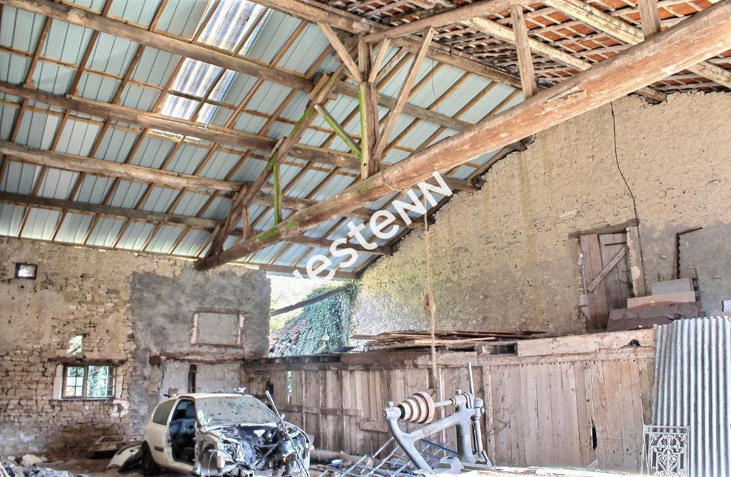 Maison + grange à rénover GROS POTENTIEL ! A SAISIR !