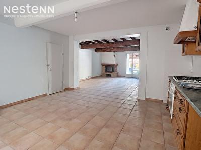 Maison de village renovee entierement Labastide d'Anjou centre , 4 pieces, 94 m2
