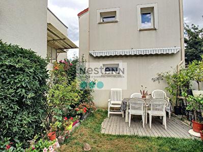 Deux Maisons Vitry Sur Seine 7 pieces 111 m2