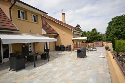 MAISON D'ARCHITECTE BOURGOIN JALLIEU - 10 pieces - 300 m2