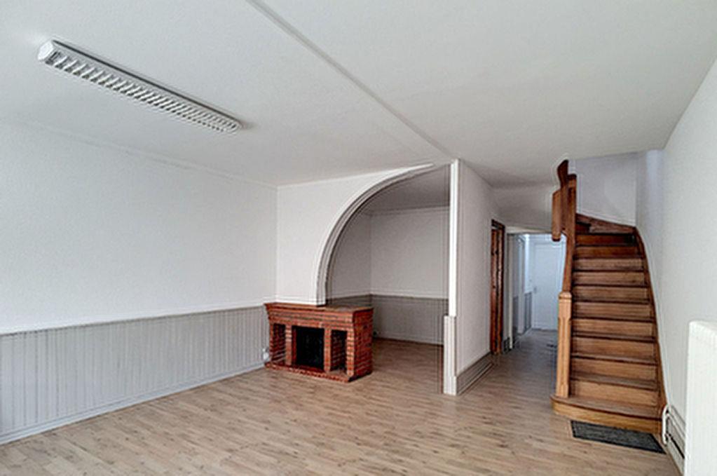 Location maison 3 chambres avec garage a Valence-sur-Baise
