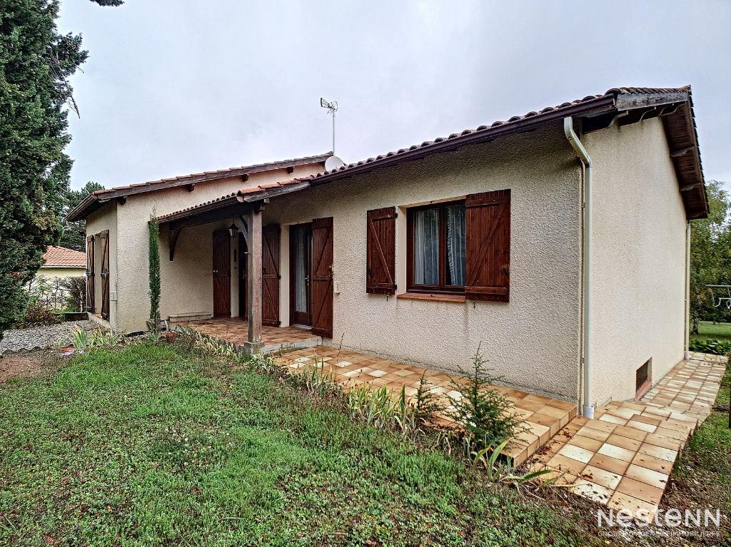 Vente maison dans un quartier résidentiel à 5 minutes du centre de Condom.