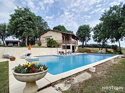 A vendre Maison de 120 m2 a la campagne avec sous-sol et piscine