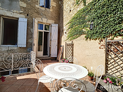 A vendre Maison de ville en pierre de 145 m2 avec Patio et Terrasse