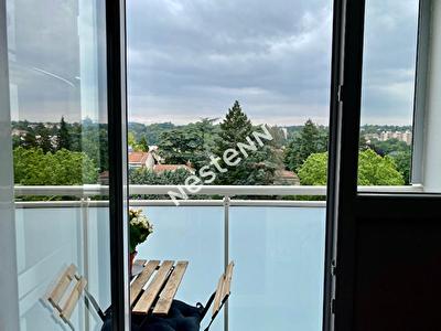 A vendre dernier etage  T3  59m2  Tassin-la-Demi Lune
