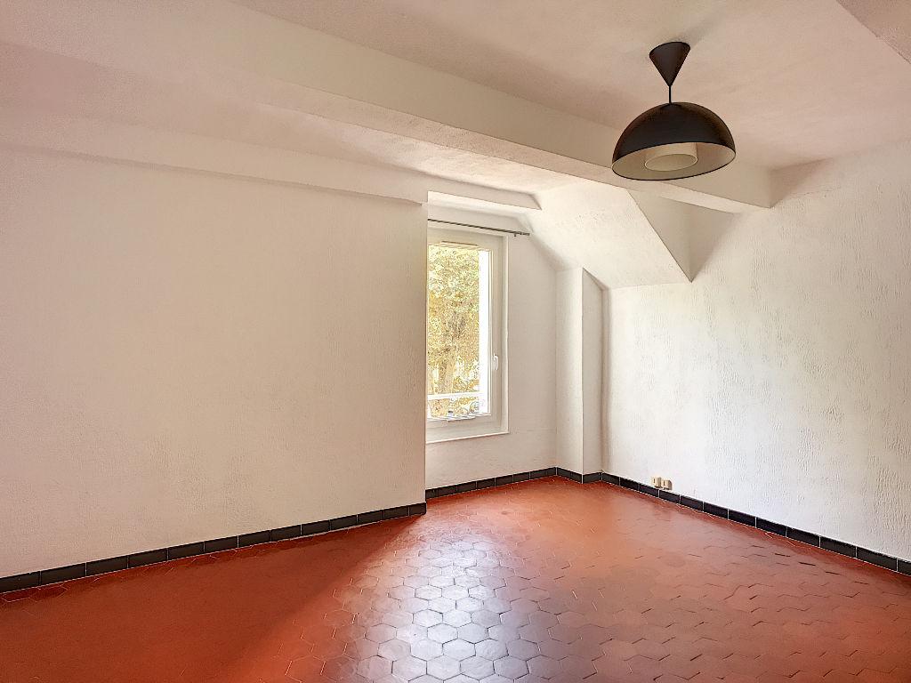 Appartement Trets 3 pièce(s) 68 m2