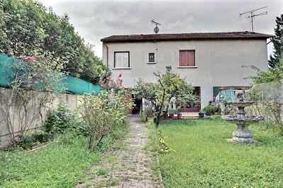 Charmante maison 5 pieces 114 m2 a Villeurbanne