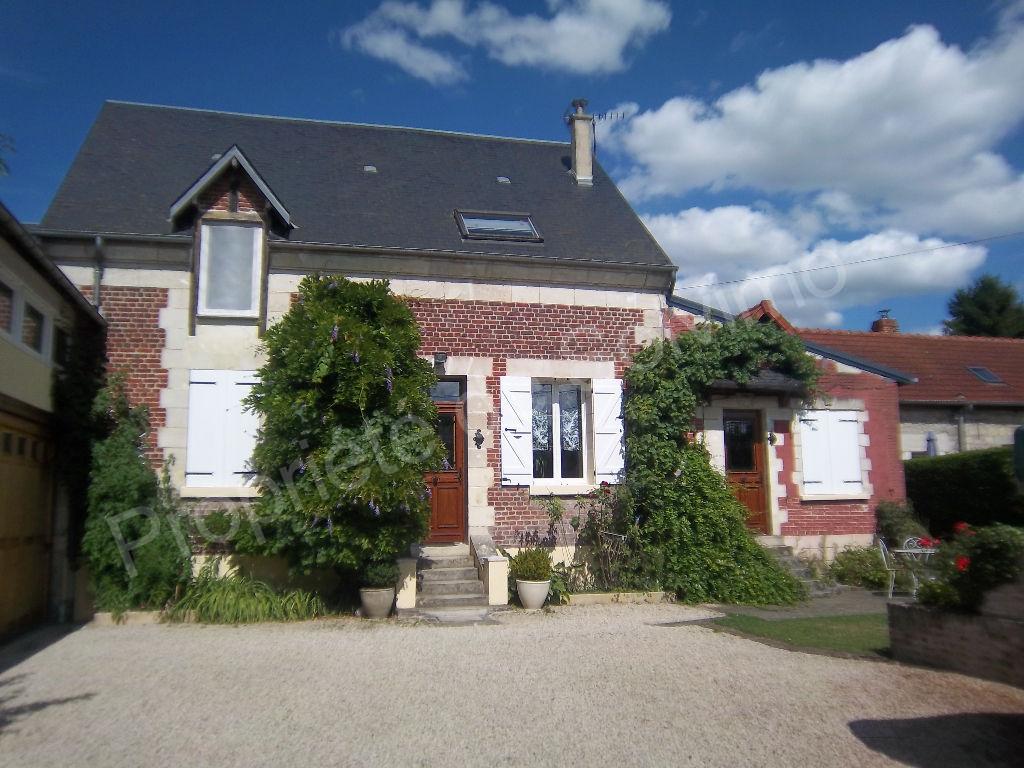 photos n°1 Maison Laon 8 pièce(s) 258 m2