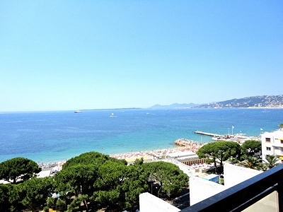 Appartement Antibes vue mer panoramique  2 pieces