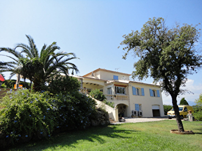 Villa Vallauris residentiel 6 pieces 186m2 + piscine + terrain 2245m2