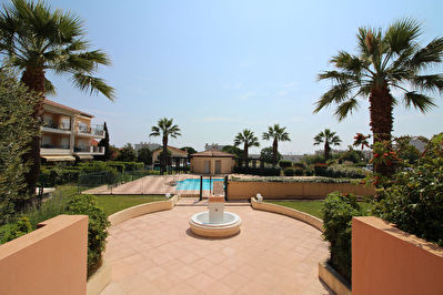 GARAGE Antibes Val Claret - Fontonne 12.23m2 residence standing securisee avec piscine