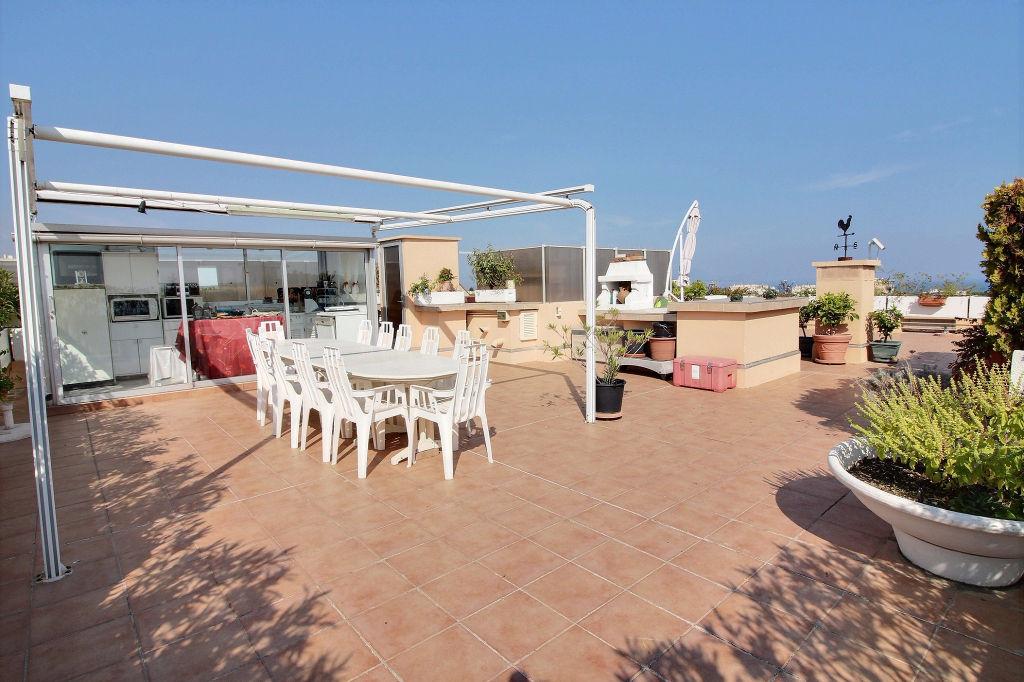 photos n°1 Villa sur le toit Antibes 6 pièces 140m²  + 220m² de terrasses+ double garage + double cave, calme , vue mer