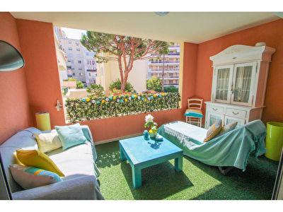 Juan Les Pins  : Appartement  centre ville 4 pieces 86 m2 + parking