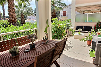 Juan les Pins 2 pieces  a pied des plages + terrasse sud 20 m2 + Garage et parking