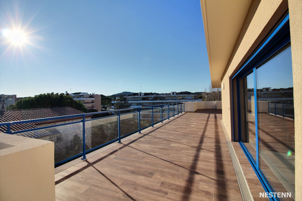 photos n°1 ANTIBES : Villa sur le toit 4 pièces 140 m2 + 150m² terrasse +  grand garage