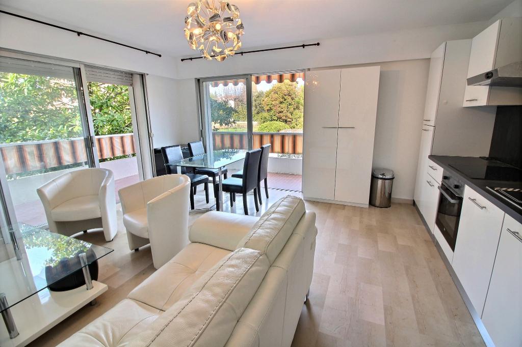 Appartement Antibes 3 pièces 52m² parking cave vue parc