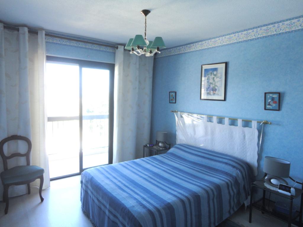 Appartement Antibes 4 pièce(s) 74.6m² , piscine  cave et parking