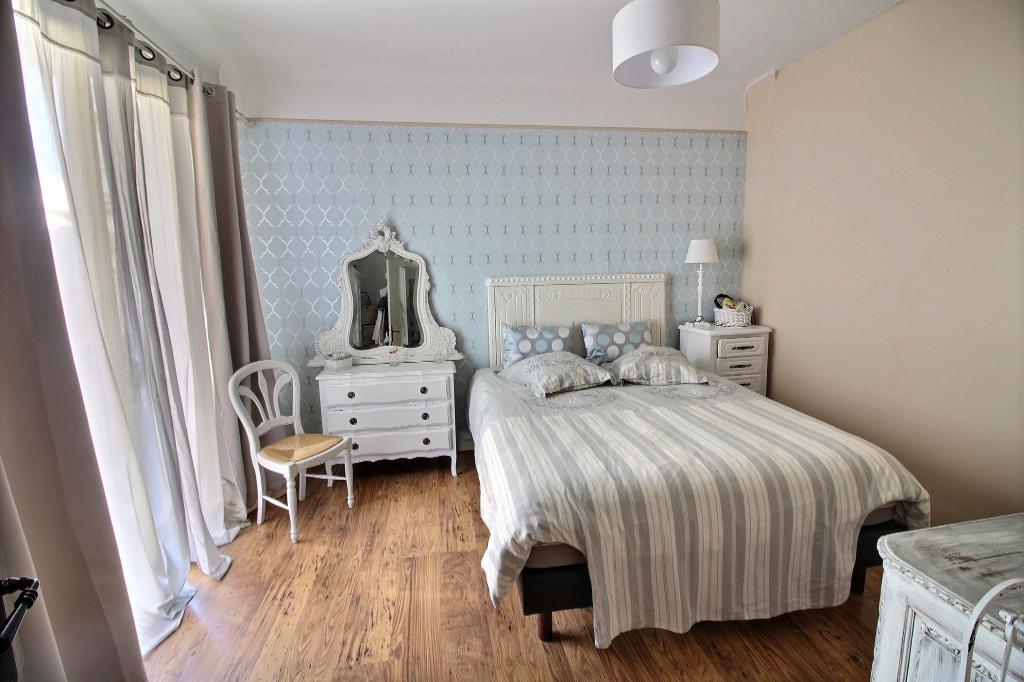 Antibes centre ville Appartement 4 pièce(s) 106 m² + terrasse  sud