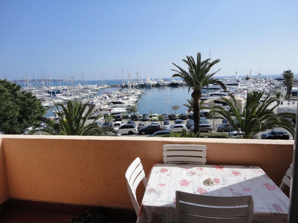 Appartement Golfe Juan studio 25m² + mezzanine + terrasse vue mer