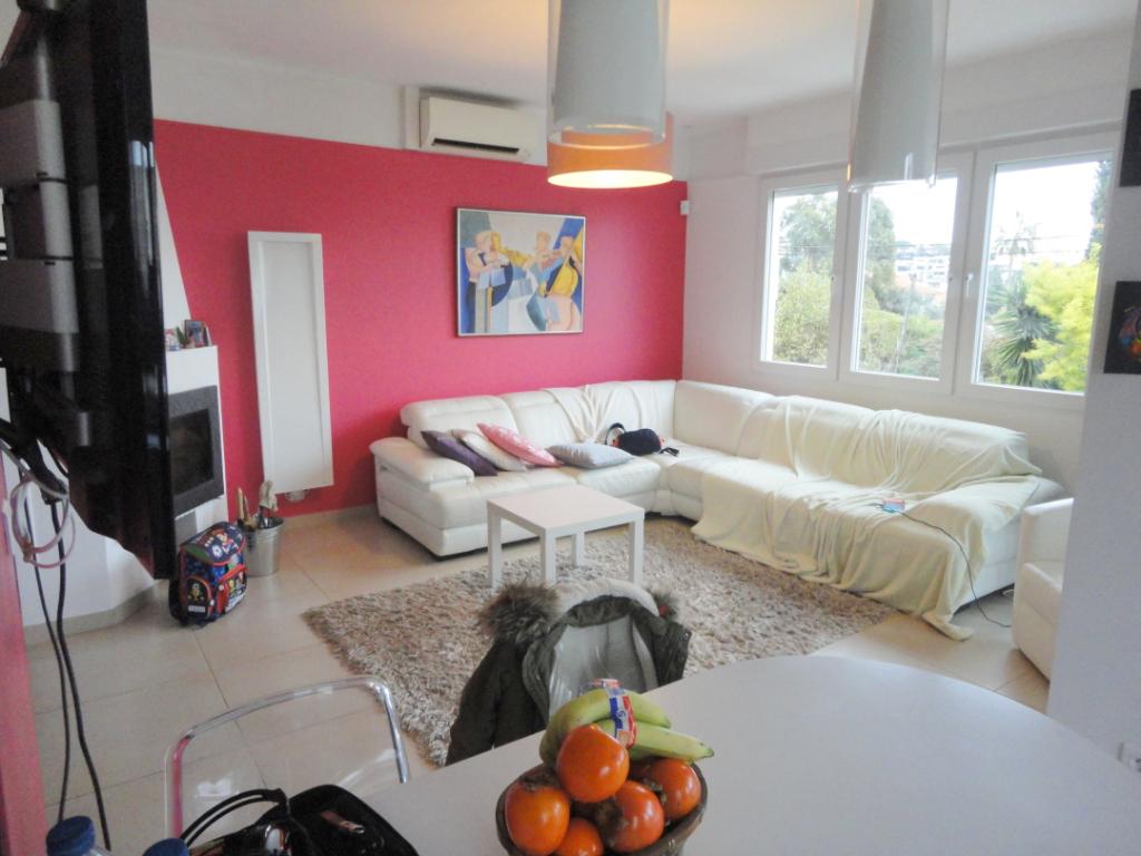 Antibes Juan Les Pins  : Villa  individuelle 6  pièces à pied des plages et des commerces.
